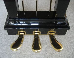 758px-Steinway_grand_piano_-_pedals
